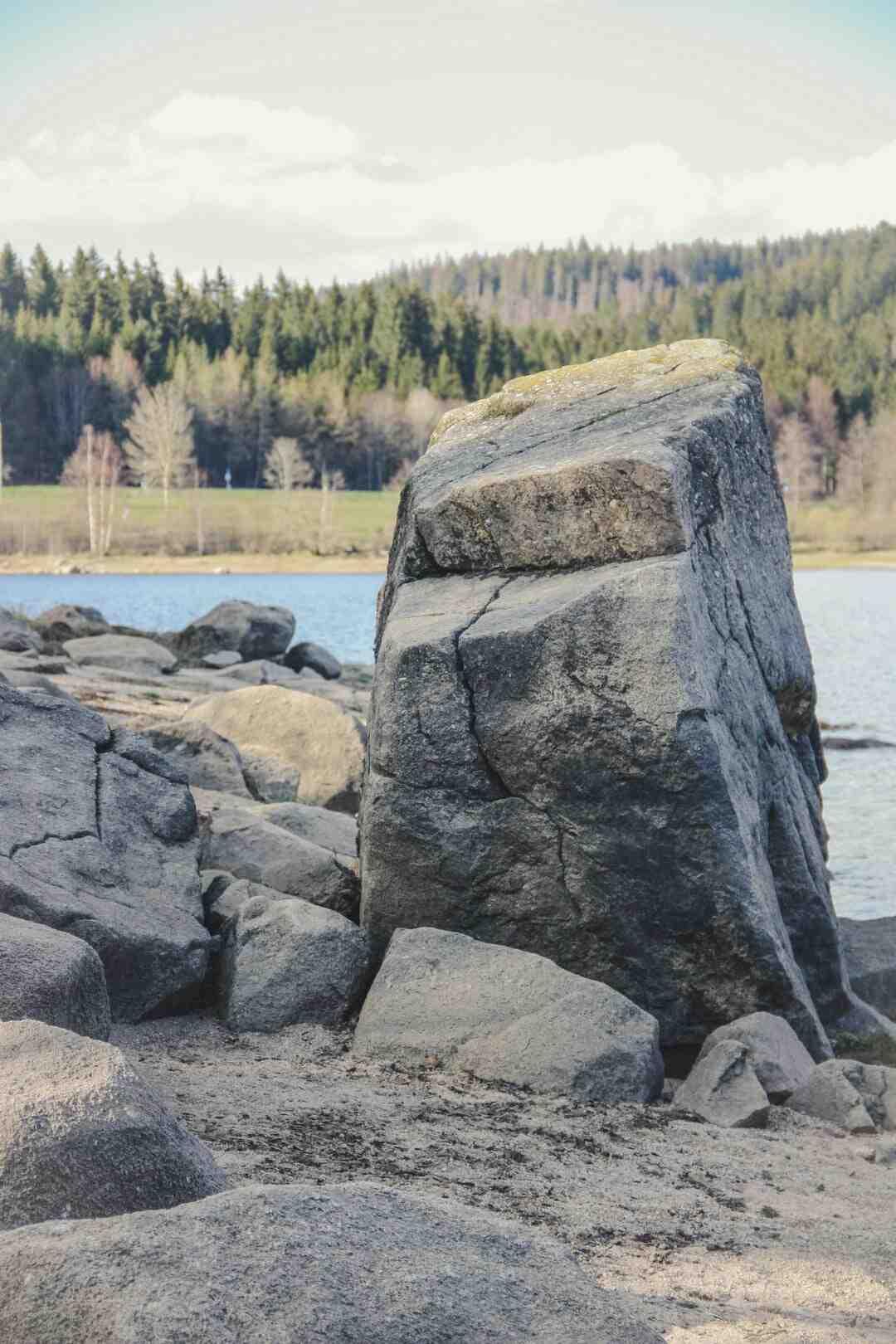 Comment peindre cheminée en pierre